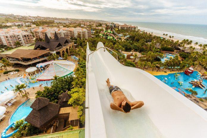 Turistas que moram nos estados nordestinos pagarão apenas 10x R$ 15,00 no ingresso do parque aquático, que serão válidos para uso até junho de 2021. Foto: Divulgação/Beach Park