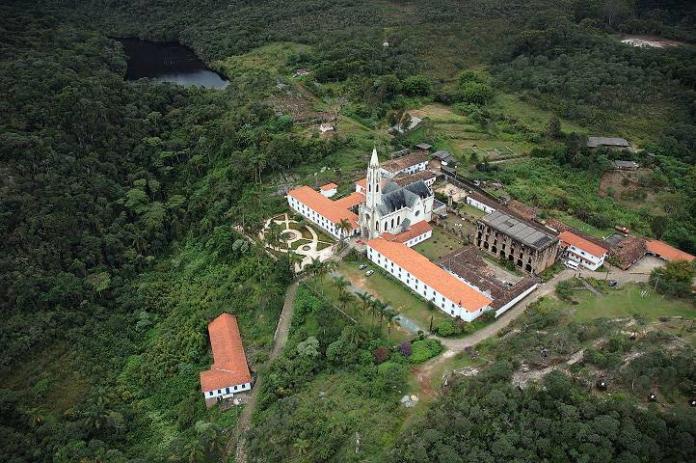 Vista aérea do Santuário do Caraça. Foto: Miguel Andrade