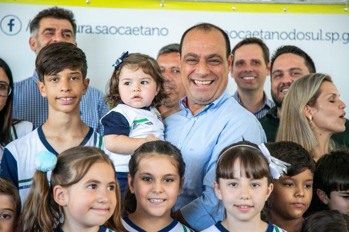 Prefeito de São Caetano é candidato à reeleição. (Foto tirada antes da pandemia). Foto: Divulgação/PMSCS