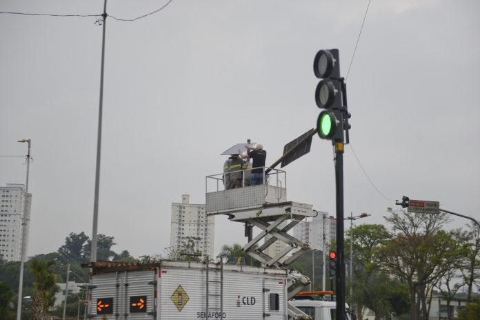 Medida tem como objetivo proporcionar funcionamento dos equipamentos mesmo com problemas de furtos de fios ou quedas de energia. Foto: Ricardo Cassin/PMSBC