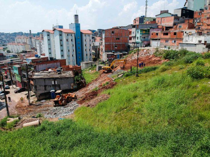 Equipamento de lazer está sendo erguido em terreno até então ocioso. Foto: Ricardo Cassin/PMSBC