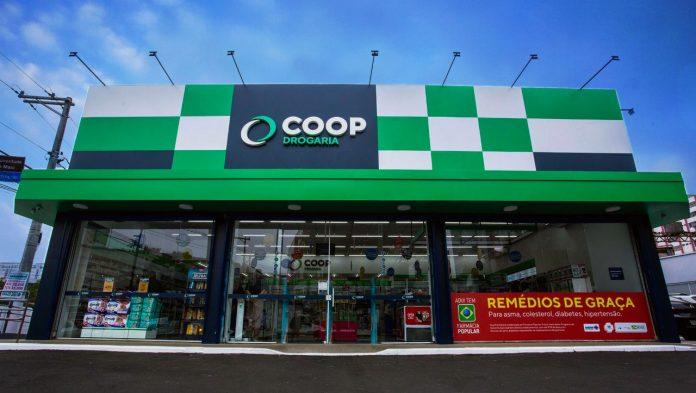 Fachada nova da drogaria COOP. Foto: Divulgação/COOP