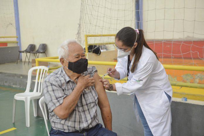 Vacinação no formato Drive thru no Riacho Grande. Foto: Ricardo Cassin/PMSBC