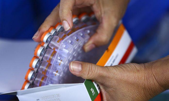 Prefeituras buscam ampliar a imunização dos moradores dos sete municípios da região. Foto: Marcelo Camargo/Agência Brasil