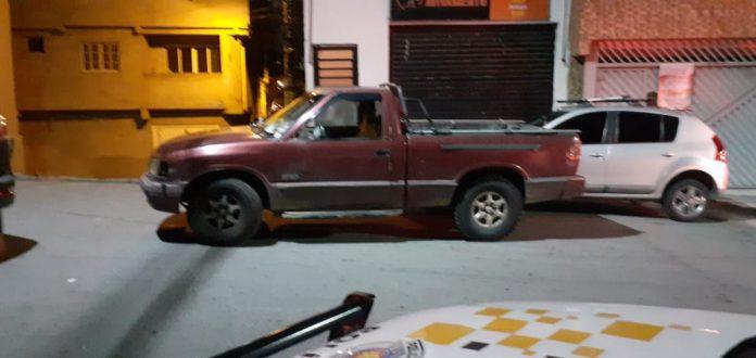 Automóvel roubado é modelo GM/ S10 de cor vermelha. Foto: Divulgação