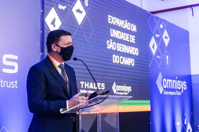 Prefeito Orlando Morando esteve presente na cerimônia de inauguração da ampliação das instalações da Omnisys, subsidiária da Thales, localizada no bairro Planalto. Foto: Gabriel Inamine e Ricardo Cassin/PMSBC