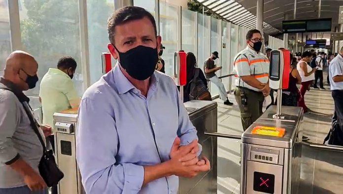 Em visita técnica ao sistema de transporte expresso da Capital mineira, prefeito destaca agilidade e integração metropolitana do serviço. Foto: Divulgação/PMSBC