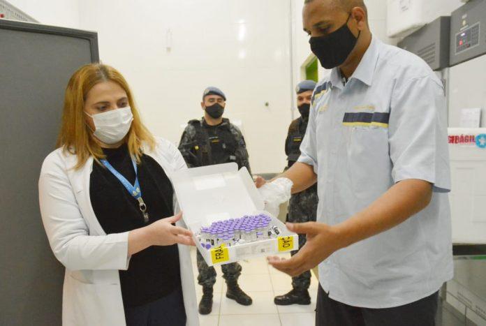 Ao todo, foram entregues 8.712 doses da vacina da Pfizer/BioNTech. Foto: Angelo Baima/PSA