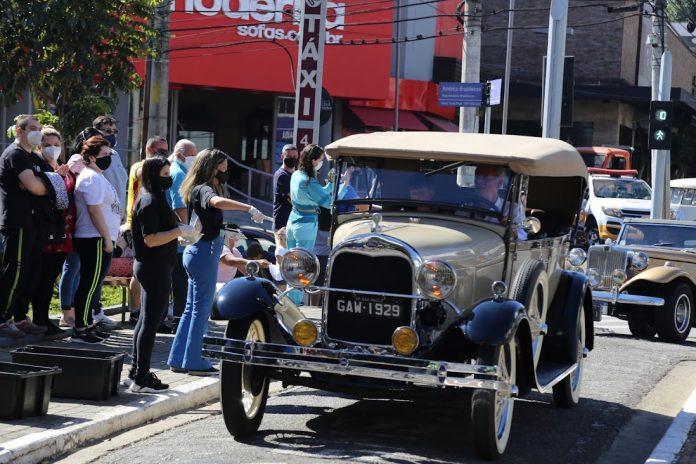 Passeio de carros antigos. Foto: Divulgação/PMSCS