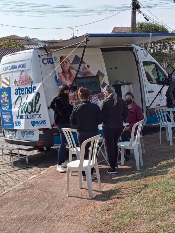 Moradores da Vila Sueli e entorno tiveram acesso a serviços do Atende Fácil e da Assistência Social. Foto: Divulgação/PMRP