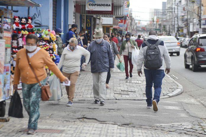 Rua Marechal Deodoro é uma das principais ruas do comércio de São Bernardo. Foto: Gabriel Inamine/PMSBC