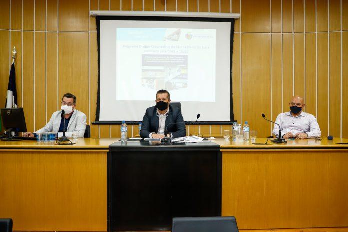 O secretário de saúde Danilo Sigolo realizou uma audiência pública para esclarecer todas as despesas do município. Foto: Eric Romero / PMSCS